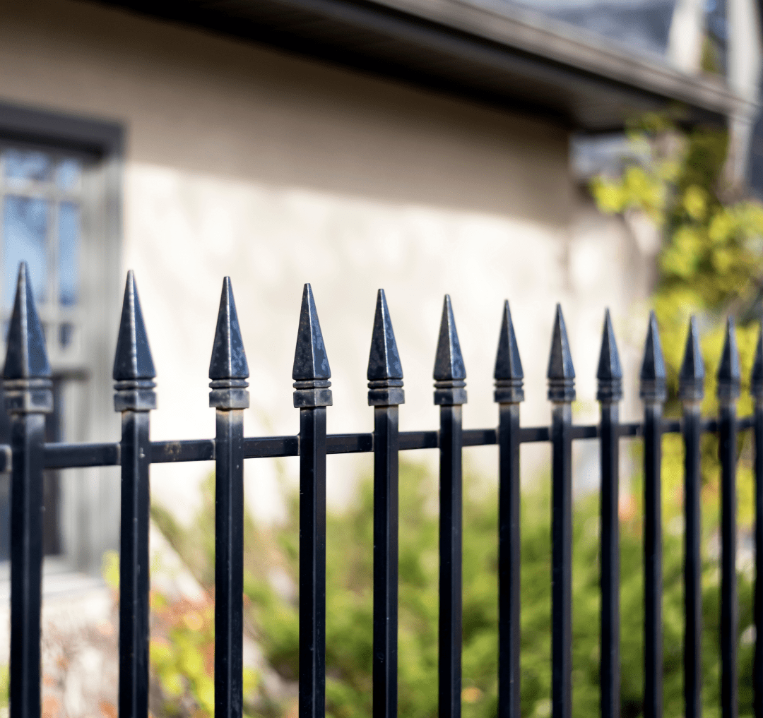 Why So Many Homeowners Are Choosing Aluminum Fences